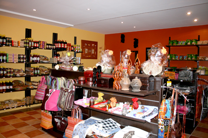 D co ethnique agencement boutique pisode 2 for Boutique deco interieure
