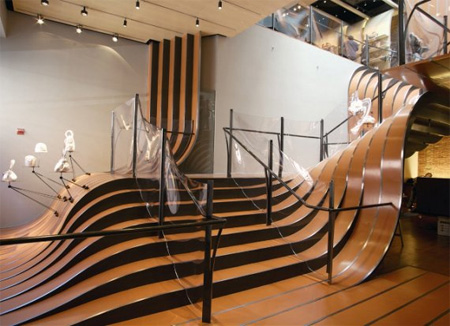 Longchamp-Store-Stairs1
