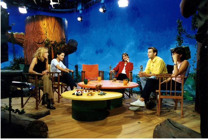 Secret story 7 quand la d co investit les plateaux tv architecture interieure conseil - Plateau pour manger devant la tele ...